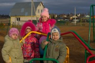 Детскую площадку в подарок